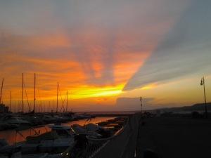Tramonto dal molo Pescheria, a Trieste